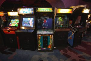 Arcade Games (CC BY 2.0) by Sam Howzit