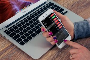 How Apps Can Help You Improve Your Finances