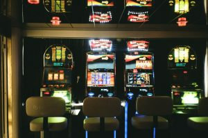 The history of slots: from land-based machines to online casinos