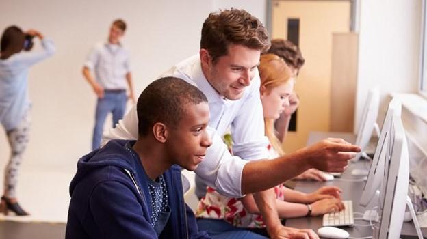 6 Ways Technology Improves Education