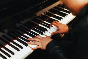 How Learning the Piano During a Pandemic Can Help You