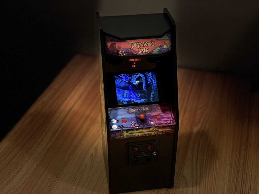 Dragon's Lair Replicade - Great! (but not on a TV)